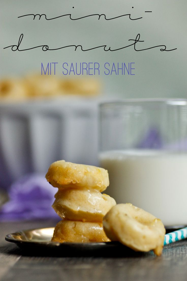 Mini-Donuts mit saurer Sahne aus dem Ofen | Mini-Donuts with cream from the oven without frying via UeberSee-Maedchen.de