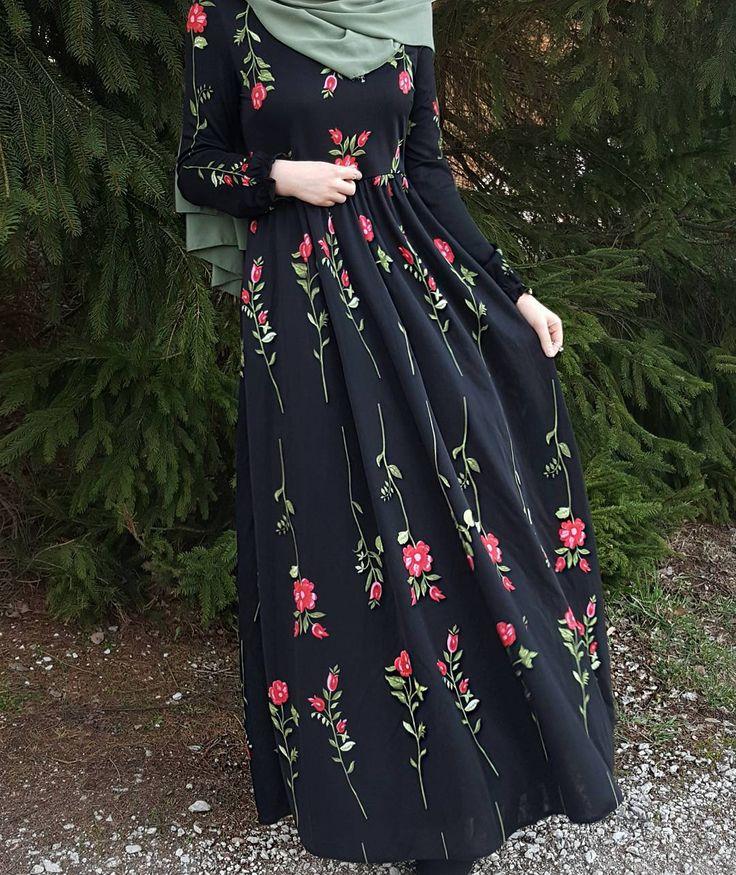 "2,702 Likes, 67 Comments - Fatmanur (@faaaatmanur_) on Instagram: ""Dress: @hilmamoda || Mein Favorit für den Frühling 🌷 Ben bayıldım ! Bu güzel rahat ve şık elbisemi…"""