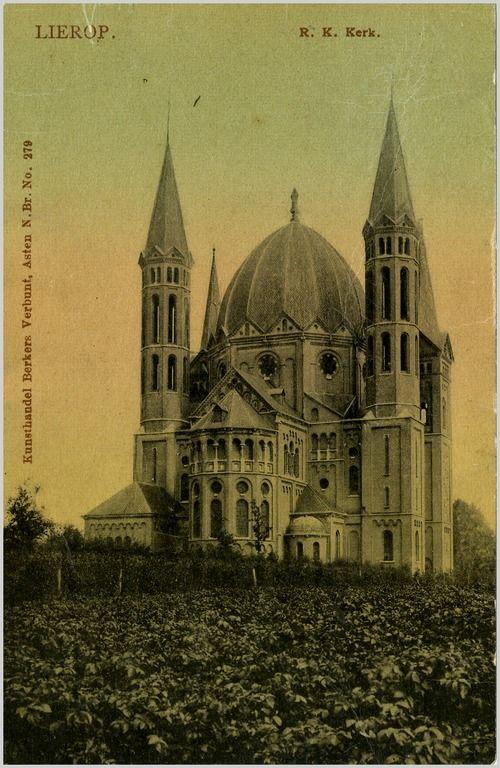 RK H. Naam Jezus kerk, Offermanstraat 1 1940