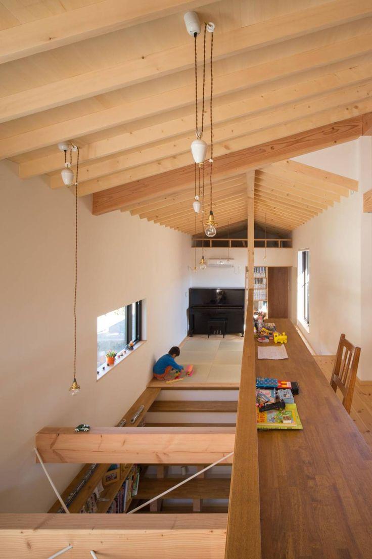 吹抜、フリースペース : 에클레틱 미디어 룸 by アトリエ・ブリコラージュ一級建築士事務所