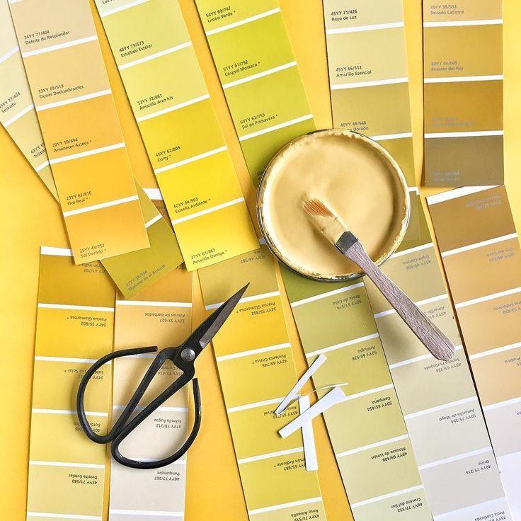 Corté el taco de pintura soy hereje! . Espero que @alba.pinturas no esté mirando . Ya estoy por terminar la mesitaaaaaa!!!!! Solo puedo adelantar que quedó divina  Bah a mí me encanta espero que les guste y mil gracias por ayudarme a elegir el color!  #colorsoloparami#ihavethisthingwithyellow#colorsoloparamiamarillo#alba#venialcolor