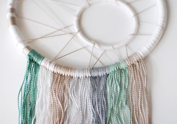 Step by Step tutorial of how to make a modern dreamcatcher!!!