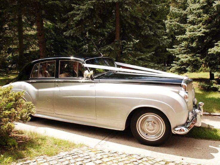Michael Fuchs ClassicCars #Erleben #Sie #Ihrer #Hochzeit #Berlin #eine #Fahrt #eleganten #Bentley #Inhaber #der #Oldtimervermietung #Michael #Fuchs #chauffiert #stilvollen #Hochzeitslimousine #sicher #charmant #Ihrem #Ziel #Auf #dem #Weg #zwischen #Kirche #Hochzeitsfeier #können #sich #ganz #enspannt #diesem #britischen #Oldtimer #zurücklehnen #die #genießen - Heiraten - Heiraten http://www.meinhochzeitsratgeber.de #hochzeit
