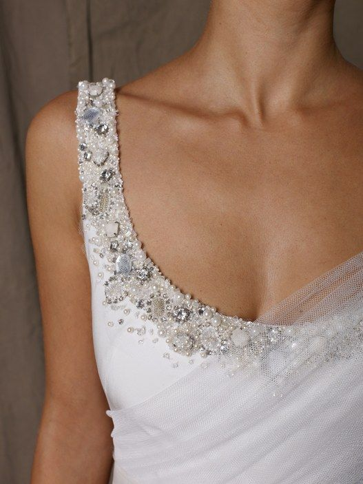 Balcony #scoop neck #wedding Dress #Gown http://www.illusionbridals.com/search.php?search_query=scoop&Search=