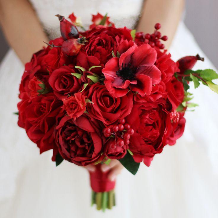 Find More Wedding Bouquets Information about New Red Wedding Bouquet Artificial Rose Flower Berry Holding Flower red bridesmaid Bride Bridal  Bouquets wedding decoration,High Quality wedding bouquet artificial,China hold flower Suppliers, Cheap bridal bouquet from Brooch bouquets custom store on Aliexpress.com
