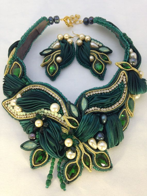 "Set "" Malachite "" ( necklace and earrings)"