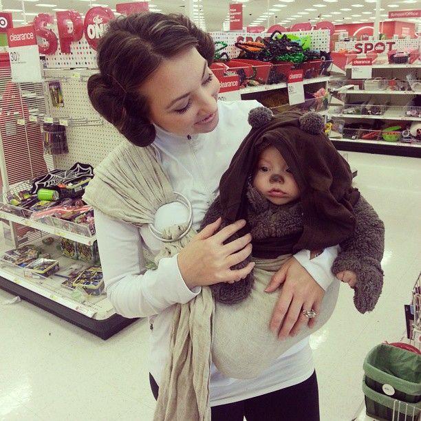 Leia and Ewok // via gigicoconut on Instagram #sakurabloom #babywearing