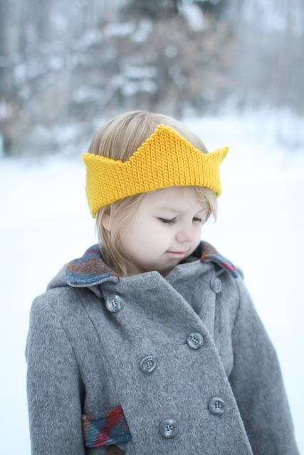 Free crochet crown pattern. cute but I would add gemstone buttons or something to dress it up
