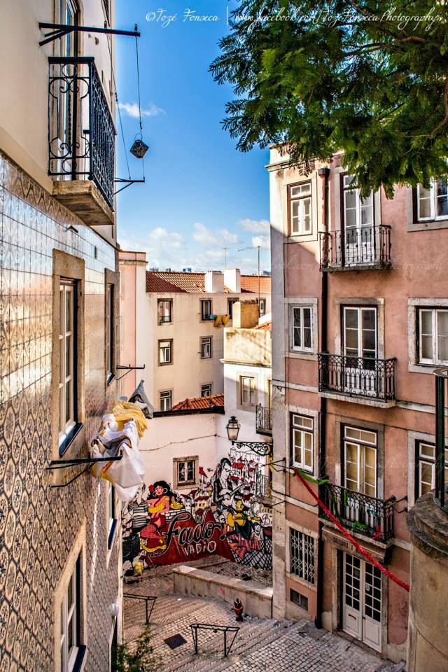 Escadinhas de São Cristovão, Lisboa by ToZé Fonseca