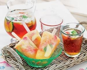 Pimm's lollies are made with the fruity summer alcohol, ginger beer, strawberries, apples and mint – perfect for summer barbecues