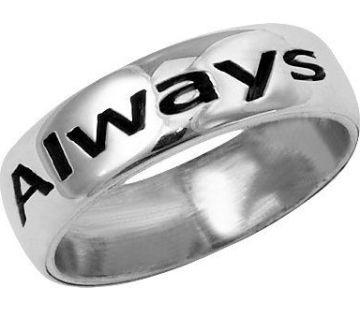 Un anneau personnalisable. Couleur de lune, alliance millénaire...