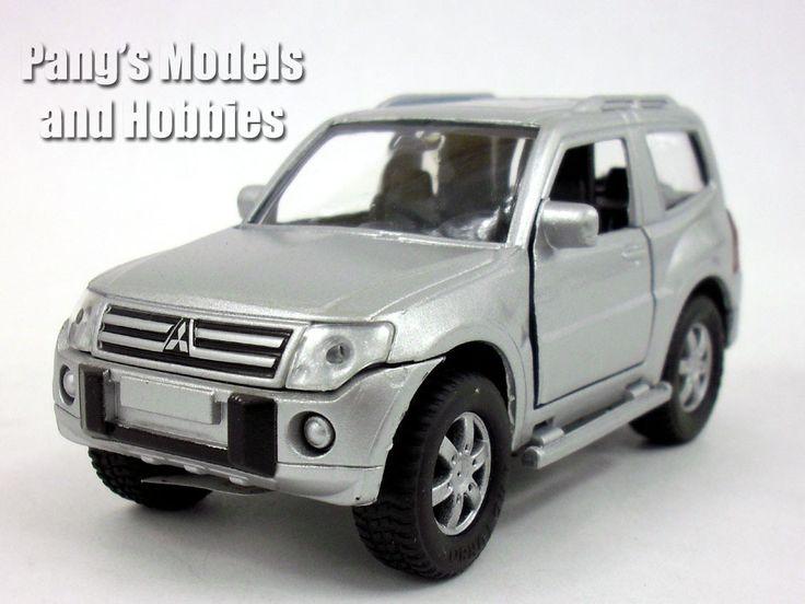Mitsubishi Montero / Pajero 1/36 Scale Diecast Metal Model by Kinsmart