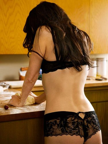 Mary-Louise Parker (Come on in bake me that pie and we can have hot Sex while that pie cools <3