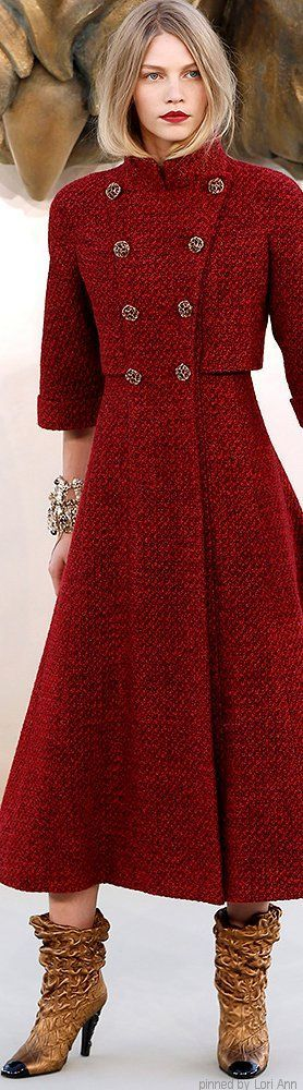Chanel Couture Fall 2010 - LOVE the color of this coat!