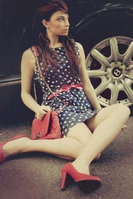 Dotted blue and white Dress with red accessories for a Vintage Look by @Lill Queen   On #Styloola  http://www.styloola.com/en/lill/looks/87539