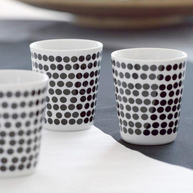 die besten 17 ideen zu porzellan bemalen auf pinterest sharpie becherentw rfe sharpie tasse. Black Bedroom Furniture Sets. Home Design Ideas