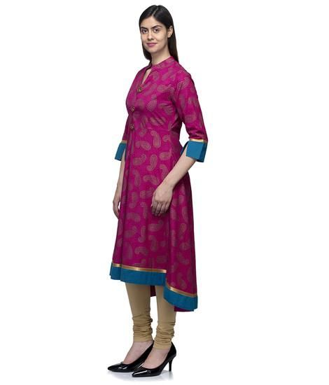 Get ready to steal the show and admiration with this Designer Indian Ethnic Style Dress and make a remarkable fashion statement this season with this Elegant Indian Ethnic Outfit. Shop This Dress at best deals Offer Price in India at India's best Women Shopping Destination ladyindia.com