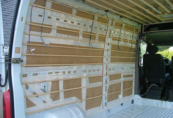 Kiri-Kampi Fourgon Aménagé discret avec meubles amovibles | Isolation, électricité et habillage