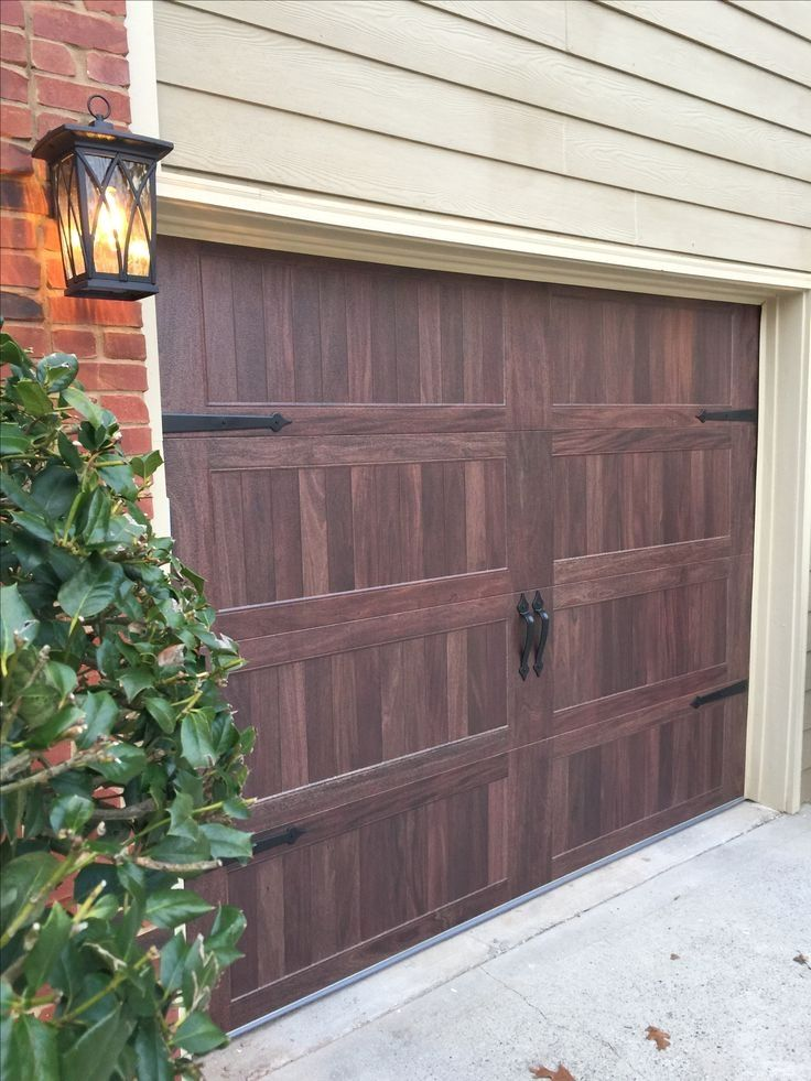 Keeping Your Garage Door In Tip Top Condition Check The Pic For Many Garage Door Ideas 78885483 Garaged Garage Doors Carriage Garage Doors Chi Garage Doors
