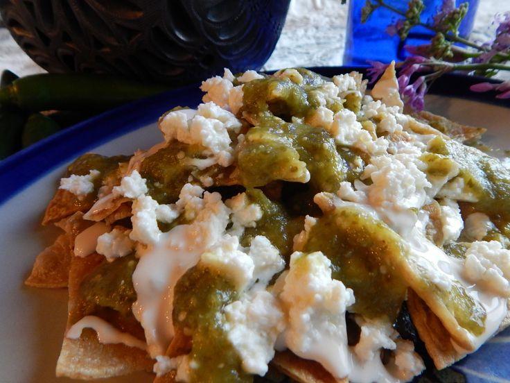 Chilaquiles Verdes. Receta de Chilaquiles Verdes de la Cocina Mexicana. Clasicos para el desayuno, estos riquisimos chilaquiles verdes recuerdan todos los sabores de Mexico en su plato. Buen provecho!  Mil gracias por suscribirse https://www.youtube.com/user/JaujaCocinaMexicana Facebook https://www.facebook.com/JaujaCocinaMexicana Twitter https://twitter.com/JaujaCocinaMex