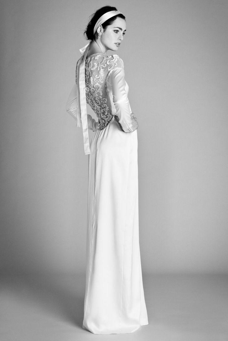 Modest Wedding Dress (Source: fashionbride.files.wordpress.com)