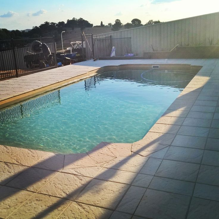 Pool paving in Estella