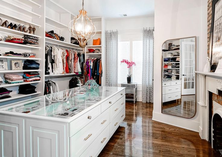 """544 Likes, 21 Comments - Masters of Flip (@mastersofflip) on Instagram: """"Dream closet alert! If you haven't already seen @allthingskortneywilson 's closet check it out here…"""""""