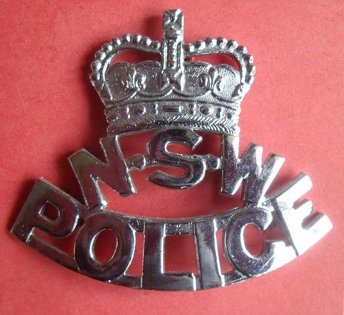 BADGE - Australia - NSW - New South Wales Police cap badge (very old style) QC