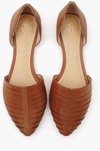 Silverton Flat - Camel, płaskie, wygodne, nie mają zapięcia (ciekawe), paski na przodzie buta bardzo ozdobne i skromne jednocześnie