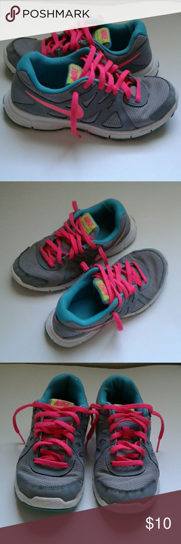 Nike Revolution 2 Sneakers Nike Revolution 2 sneakers girl size 3.5Y gray and pink used good condition Nike Shoes Sneakers