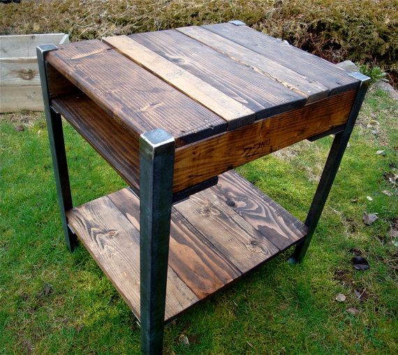 Best 25 pallet end tables ideas on pinterest for Repurposed metal furniture