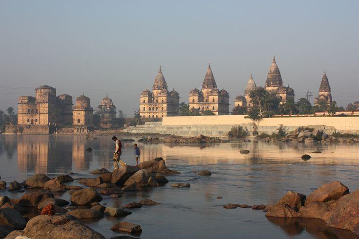 Betwa river in Orchha http://www.wiwigo.com/blog/destination/glorious-temples-khajuraho-delhi-khajuraho-via-orchha/