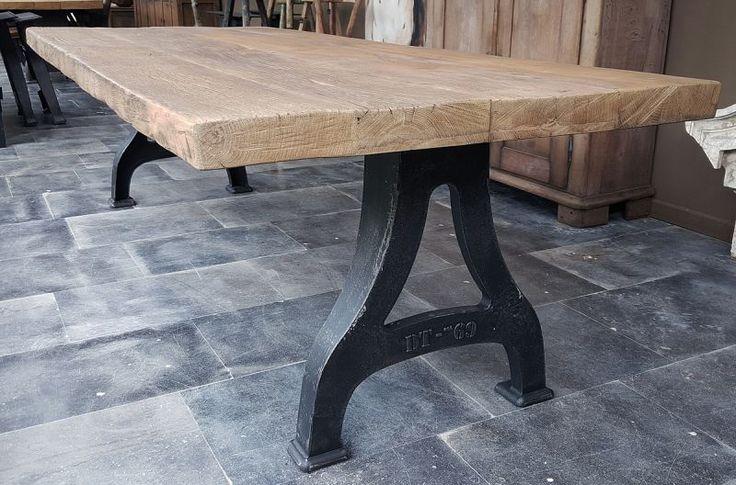 Industriële tafel, tafelblad: zonverbrand oud eiken, 7cm dik