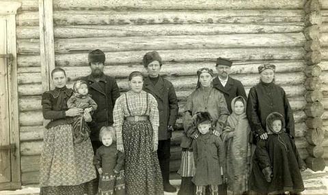Группа крестьян. Коми-зыряне. Фотоархив РЭМ