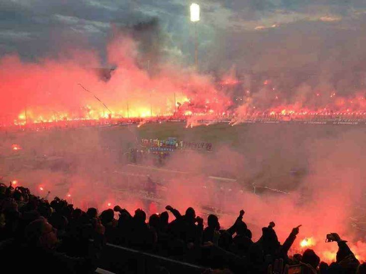Incredible photo from last nights Greek cup between PAOK and Olympiakos. It was unsurprisingly delayed for over an hour.) http://ow.ly/vUt2Q