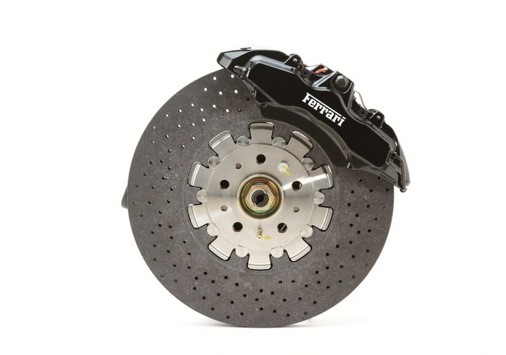 The brake module with a CCM disc, which won the Compasso d'Oro design award in 2004.