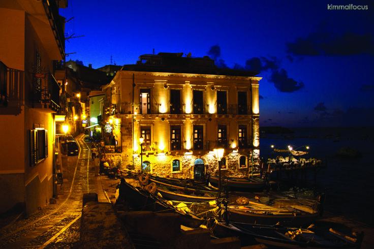 Il principe di Scilla & dark blue sky www.ubais.it