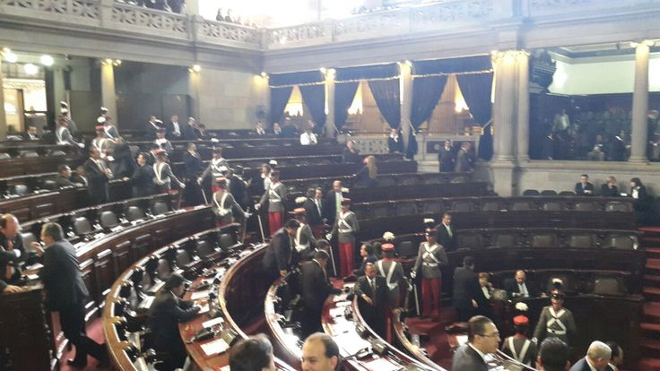 01. DIPUTADOS.------------------Tras 37 minutos de espera 116 diputados atendieron el llamado a la sesión solemne de toma de posesión de la nueva Junta Directiva para el período 2015-2016.