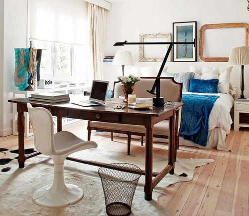 office/bedroom : Bedrooms Offices, Guest Bedrooms, Interiors Design, Desks, Studios Apartments, Small Spaces, Bedrooms Workspaces, Smallspaces, Home Offices