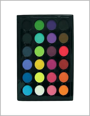 Palette SLA utilisée sur tous nos make-up!