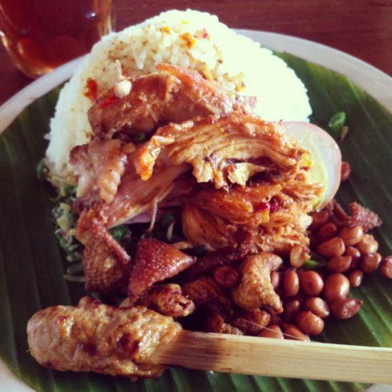 Mencicipi Kuliner Khas Bali Murah Meriah