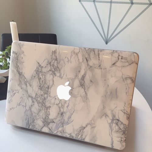 i really want a marble laptop case