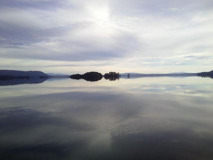Lago Calafquen en un día de Invierno. Lican Ray, Chile