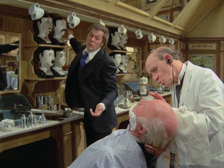 Tony Curtis & Laurence Naismith in The Persuaders!: Take Seven (#1.3) (1971)