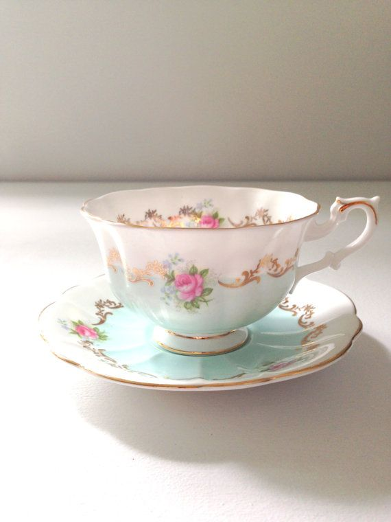 Hey, I found this really awesome Etsy listing at https://www.etsy.com/listing/196472696/english-bone-china-royal-albert-teacup