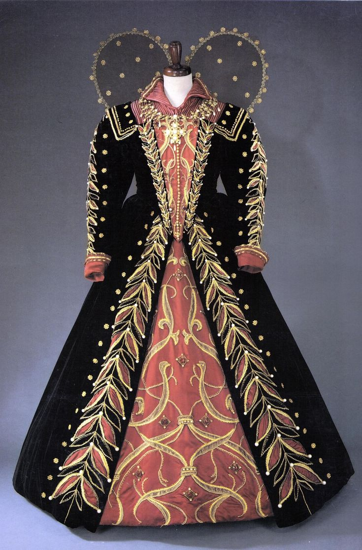 1000+ images about Renaissance Fashion & Costumes on ...
