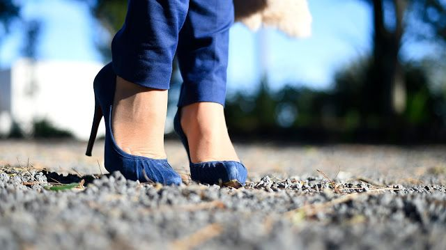 Shades of blue ...  http://unconventionalsecrets.blogspot.it/2017/03/shades-of-outfit-pinko-acireale.html  #shoes #heels #cesarepaciotti