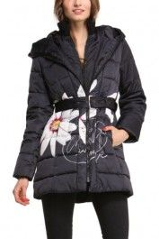 Desigual women's Pesos coat. A hooded coat with a daisy along the side. Zip fastening.