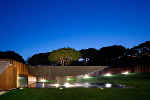 Cantilevered swimming pool.  Casa Vale Do Lobo, by Arqui+ Arquitectura, Southern Portugal.