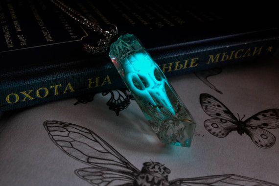 Bird skull glowing necklace / Glow in the dark by AlgizStudio